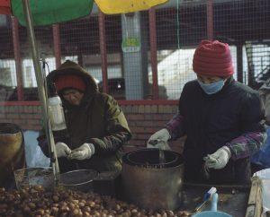 韓国ソウルの人々